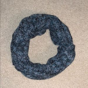 Nordstrom Accessories - Blue Patterned Infinity Scarf